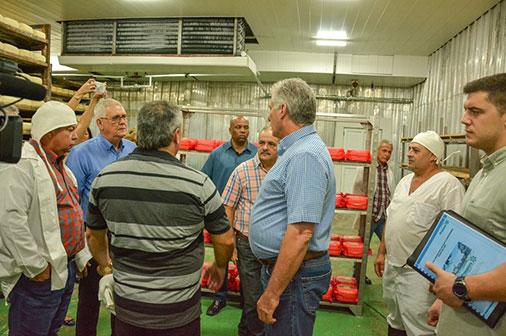El Presidente Miguel Díaz-Canel Bermúdez encabezó una visita gubernamental a Pinar del Río para constatar el desarrollo económico y social de la más occidental de las provincias cubanas.