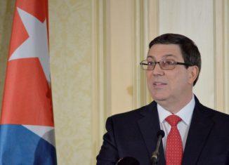 La política de EE.UU. hacia Cuba ha llevado al recrudecimiento del bloqueo, el cierre del Consulado en La Habana, ataque a viajes e intercambios entre nuestros pueblos y sabotaje a cooperación médica.