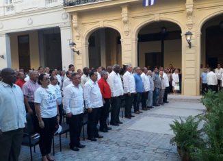 Estuvieron presentes también, Esteban Lazo Hernández, presidente de la Asamblea Nacional del Poder Popular, Luis Antonio Torres Iríbar, primer Secretario del Partido en La Habana, y otros miembros del Buró Político del PCC y el Gobierno.