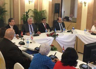 El presidente cubano refirió los esfuerzos por hacer transparente la gestión gubernamental y el empeño de combatir la corrupción.