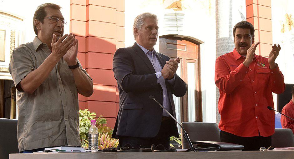 El Presidente cubano, Miguel Díaz-Canel Bermúdez, aseguró que la mayor maldad del imperio se empequeñece frente a la unidad de Nuestra América.