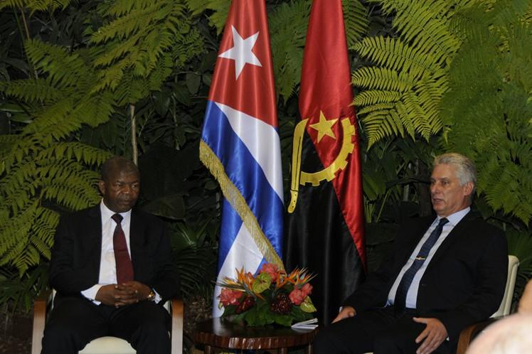 Los mandatarios de ambos países hablaron sobre diversas áreas de cooperación que mantienen las dos naciones en sectores como educación y salud.