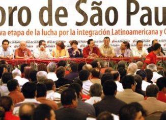 El encuentro sobresale como un espacio de convergencia, debate y acción conjunta nacido del Encuentro de Partidos y Organizaciones Políticas de Izquierda de América Latina y el Caribe celebrado en 1990.