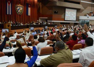 El objetivo de la nueva legislación es lograr que los ciudadanos respeten y veneren a estos símbolos que sintetizan lo más auténtico de la identidad cubana.