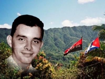 Ofrendas florales del General de Ejército, Raúl Castro Ruz, Primer secretario del partido comunista de Cuba y del presidente de los Consejos de Estado y de Ministros, Miguel Díaz Canel Bermúdez, distinguieron el homenaje de esta fecha.