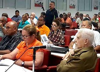 El también miembro del Buró Político se interesó por los incumplimientos asociados a la nueva Política de la Vivienda, donde la provincia muestra serios atrasos en la construcción de moradas en las modalidades de subsidios.
