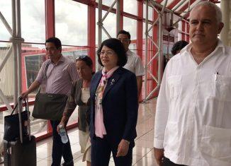 Durante su estancia de 5 días en la Isla, la alta representante del gobierno vietnamita cumplió un amplio programa de actividades, que incluyó visitas a proyectos socioeconómicos y encuentros con personalidades del ámbito político y empresarial.