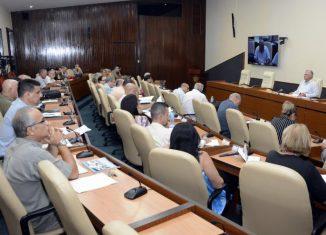 se consolida y desarrolla un sistema de medios de comunicación propios, que tiene sus mejores referentes en el Noticiero Cultural de la Televisión Cubana, la revista digital La Jiribilla y el periódico Cubarte.