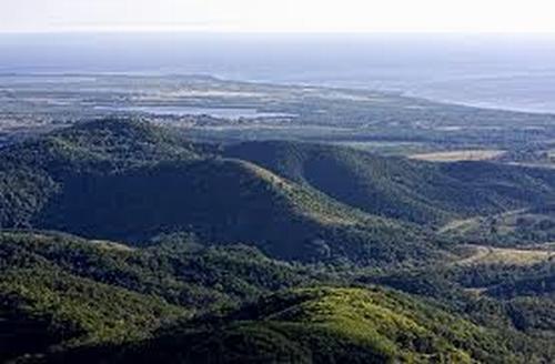 Auspiciado por el Programa de Naciones Unidas para el Desarrollo, (PNUD) la iniciativa incluye las áreas del sistema montañoso Bamburanao, ubicadas en las provincias de Ciego de Ávila, Sancti Spíritus y Villa Clara.
