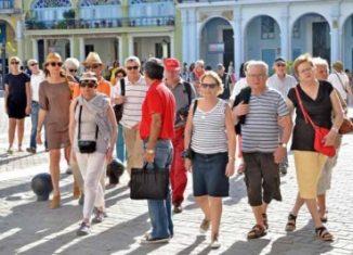 Los otros destinos no estadounidenses más comunes fueron México (el más popular), República Dominicana y China, señaló Statistics Canada al comentar que pese a ello hubo una tendencia a la baja en los viajes de los nacionales tanto dentro como fuera del país.