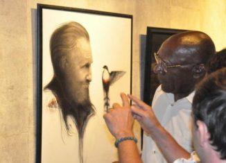Compuesta por 25 obras creadas durante más de tres décadas, las piezas se exhiben juntas por primera vez e hilvanan la continuidad del pensamiento y acción del Apóstol y del líder cubano.