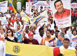 Se realizará un proceso de recogida de firmas en centros de trabajo y estudio en respaldo y solidaridad con Venezuela, la Revolución Bolivariana y chavista, la unión cívico-militar de su pueblo y su legítimo presidente Nicolás Maduro Moros.