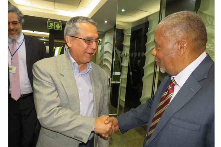 Durante su de estancia en la nación africana, el Viceministro Primero de Relaciones Exteriores de la Isla se reunirá con dirigentes del gobernante partido Congreso Nacional Africano (ANC), entre otras personalidades.