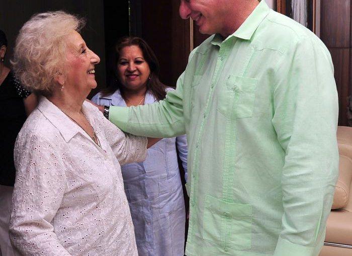 En el amistoso encuentro participaron Daniel Ricci, secretario general de la Federación de Docentes Universitarios; Juan Carlos Barroso, de la Asociación del Personal de la Universidad de Buenos Aires; y Claudia Susana Carlotto, hija de la luchadora argentina.