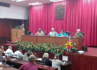 Díaz-Canel encabeza una comitiva del Consejo de Ministro que evalúa las medidas implementadas en ese territorio para mitigar los efectos de la baja disponibilidad de combustible.