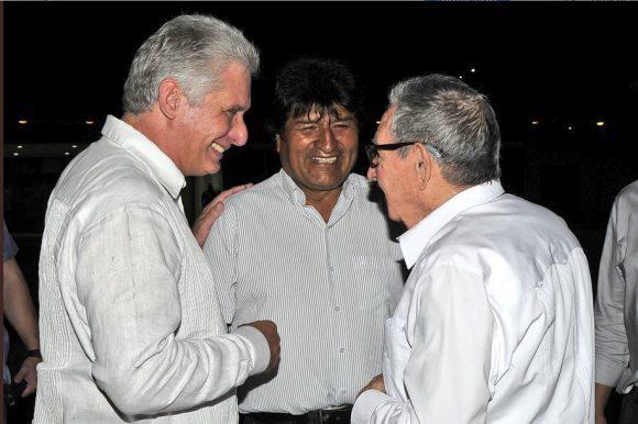 El mandatario boliviano realizó una escala en La Habana de camino a Nueva York donde participará en el segmento de Alto Nivel donde participara en la edición 74 de la Asamblea General de la ONU.