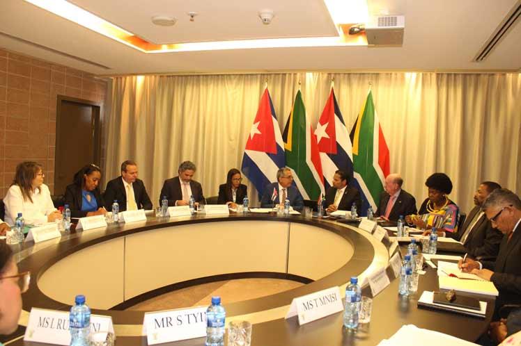 Los dos países confirmaron la disposición de encontrar nuevas áreas de cooperación e identificar oportunidades de negocio y de trabajo conjunto para seguir fortalecimiento los vínculos comunes.