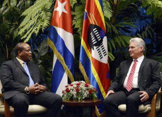 El Presidente de los Consejos de Estado y de Ministros, Miguel Díaz-Canel Bermúdez, recibió este lunes al Rey de Esuatini, Su Majestad Mswati III, quien realiza una visita oficial a nuestro país.