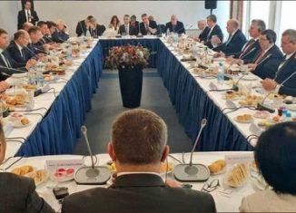 Los empresarios rusos se refirieron a la posibilidad de montar ensambladoras en Cuba, mientras que el jefe de estado los llamó a participar con más inversiones en los programas de desarrollo cubano.