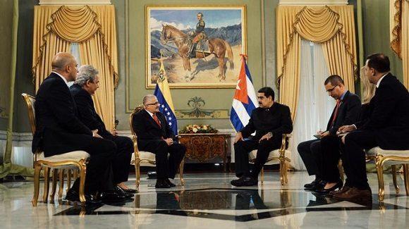 Horas antes, el nuevo jefe de misión cubano presentó las Copias de estilo ante el canciller Jorge Arreaza, junto al embajador designado de la República de Trinidad y Tobago en Caracas, Paul Byam, reseñó la Cancillería de Venezuela.