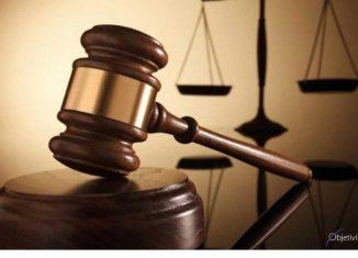 Toda persona, como garantía a su seguridad jurídica, disfruta de un debido proceso tanto en el ámbito judicial como en el administrativo y, en consecuencia, goza de sus derechos.