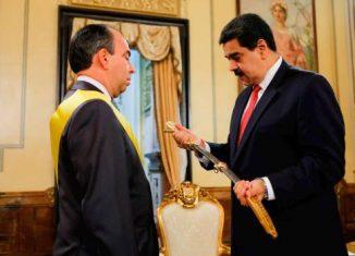 Durante el acto de despedida del embajador cubano en Caracas, Rogelio Polanco; el mandatario bolivariano señaló la necesidad de fortalecer la colaboración en materia de inteligencia con la Isla ante la creciente hostilidad del imperialismo yanqui.