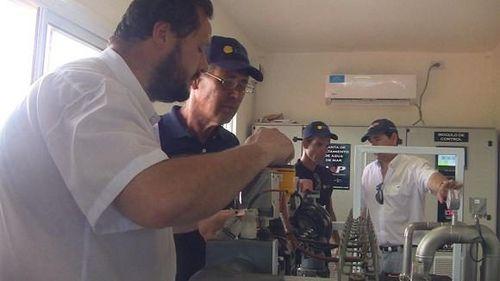 La instalación procesa 12 metros cúbicos de agua de mar en una hora, volumen que puede garantizar diariamente a cada habitante de Punta de Maisí, como mínimo, 130 litros del líquido, apto para el consumo humano.