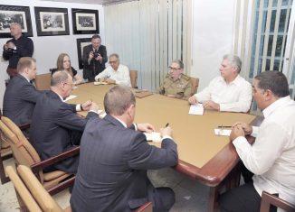 Durante el encuentro intercambiaron sobre el excelente estado de las relaciones entre ambas naciones y su desarrollo perspectivo.