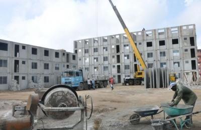 El presidente cubano señaló que pese a la inestabilidad con el cemento, las provincias tienen acumulados que respaldan la terminación del plan anual de construcción de viviendas.