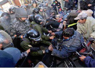 El presidente de Cuba, Miguel Díaz Canel Bermúdez, manifestó este jueves su repudio a las acciones represivas de militares bolivianos contra seguidores del expresidente Evo Morales, quien se encuentra exiliado en México.