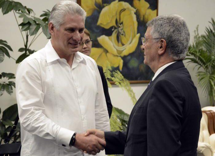 Durante el intercambio Díaz-Canel destacó el papel de Fihav en el fortalecimiento de las relaciones económicas y reconoció el difícil contexto en el cual se desarrolla la cita por el recrudecimiento del bloqueo de Estados Unidos