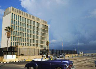 Esas actividades buscan atentar contra el orden constitucional cubano, violan la Convención de Viena, el acuerdo de restablecimiento de relaciones y las leyes cubanas y estadounidenses, añadió Rodríguez en la red social.
