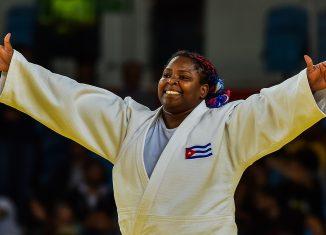La triple medallista olímpica volvió a liderar a la escuadra cubana de judo y con una presea de plata en los +78 kg llevó a la Isla hasta el noveno puesto del medallero en una competencia donde Japón se llevó 11 de las 14 coronas en disputa.