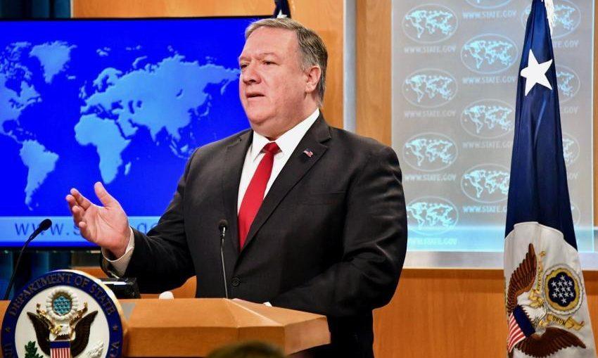 """Con evidente euforia y cínico lenguaje, el secretario de Estado declaró: """"El Gobierno de Bolivia anunció la expulsión de cientos de funcionarios cubanos de su país. """"¡Bravo Bolivia!"""", añadió en español."""