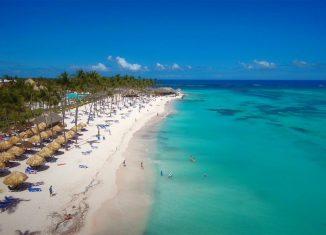 Con una infraestructura de 53 hoteles y unas 22 000 habitaciones, el balneario azul espera sumar nuevas capacidades para el próximo año, sin duda un buen respaldo a la Feria Internacional.