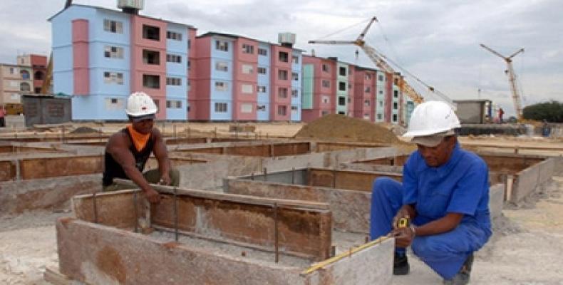 Multiplicar con mayor agilidad las capacidades de producción de materiales y acelerar los ritmos constructivos permitirán a Cuba acercarse más rápido a la posibilidad de edificar 60 mil casas al año.