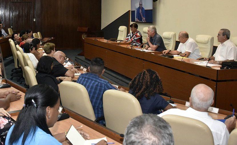 Acercar a los estudiantes a la historia, que la entiendan, la aprehendan y la sientan con el corazón, es un reto constante en el quehacer cotidiano de maestros y profesores de la enseñanza cubana.