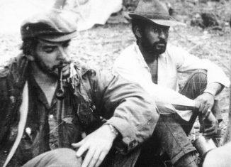 Su quehacer internacionalista fue intenso, lo cual se demuestra en su incorporación a los grupos comandados por el Guerrillero Heroico, que brindaron su concurso solidario al pueblo del Congo, y posteriormente al de Bolivia.