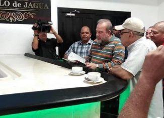 Uno de los centros reinaugurados es el Bar-Restaurante Castillo de Jagua. El restaurante tiene capacidad para 60 personas y oferta una amplia variedad de platos de la comida cubana tradicional a precios que oscilan entre los 40 y 70 pesos moneda nacional.