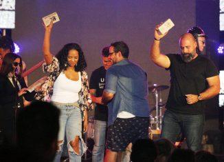 Libre, de Eme Alfonso, dirigido por Raupa, Mola y Nelson Ponce fue el Video del Año en los Premios Lucas 2019, cuyos galardones fueron entregados este fin de semana en el capitalino teatro Karl Marx.