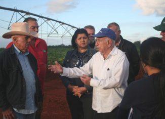 El Segundo Secretario del Comité Central del Partido Comunista de Cuba, José Ramón Machado Ventura, reconoció la respuesta de los campesinos a las dificultades generadas por el bloqueo.