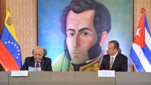 La Comisión Intergubernamental La Habana- Caracas ha suscrito un total de 1 400 acuerdos en materia de salud, deporte, cultura, energía, telecomunicaciones, economía y agricultura, desde su creación el 30 de octubre de 2000 por los presidentes Fidel Castro y Hugo Chávez.