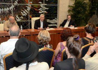 Durante el intercambio, Díaz-Canel caracterizó la situación de los últimos tiempos en la región latinoamericana y caribeña, y subrayó la posición de principios de Cuba y su decisión de resistir y vencer a la creciente hostilidad imperialista.