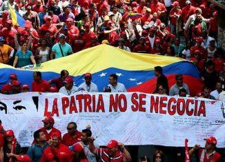El miembro del Comité Central del Partido Comunista de Cuba, Víctor Gaute López, expresó: «Cuba y Venezuela no son responsables de la ira de los pueblos que se rebelan contra el neoliberalismo reciclado que nos pretenden imponer a sangre y fuego.