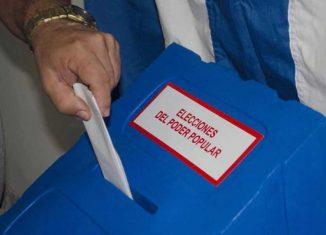 La nueva Carta Magna dispone modificaciones a la estructura y sistema de gobierno en Cuba, entre ellas la desaparición de las asambleas provinciales del Poder Popular y la aparición del término de Intendente.
