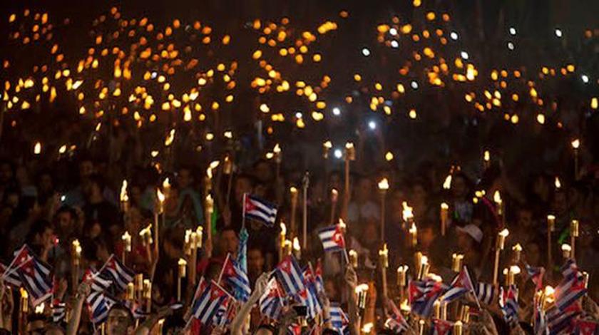 Como lo hicieran los revolucionarios del pasado siglo, los jóvenes de hoy levantarán sus antorchas para honrar al más universal de todos los cubanos.