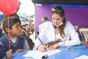 Bruno Rodríguez respondió a la presidenta golpista, Jeanine Áñez, quien trató de desacreditar la colaboración médica ofrecida por la Isla a Bolivia.