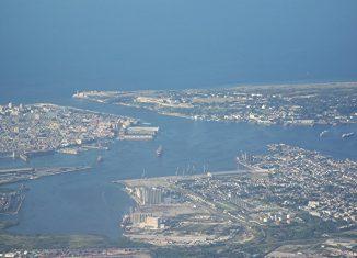 La Habana tiene hoy los mismos retos que muchas ciudades en el mundo: congestión urbana, insuficiencia de redes técnicas y transporte, contaminación, crecimiento caótico en ciertas áreas, limitaciones en vivienda.