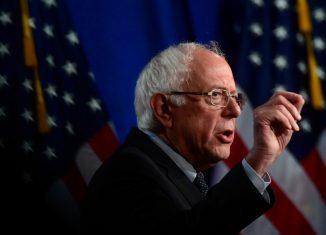¨Sería un error no declarar en Cuba que han hecho algunos buenos avances en el cuidado de la salud¨, admitió el político de 78 años, uno de los más fuertes aspirantes a la nominación del Partido Demócrata
