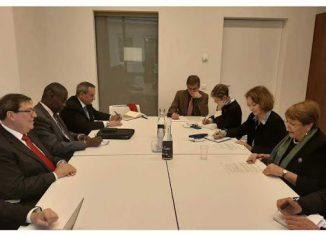Durante el encuentro, enmarcado en el segmento de alto nivel de la 43 Sesión del Consejo de Derechos Humanos, el jefe de la delegación cubana reiteró a la comisionada el compromiso de su país con la promoción y la protección inclusiva de todos los derechos de las personas.